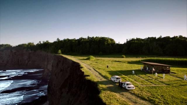Blick auf den möglichen Tatort am Rand der Klippen, Copyright: Shine Television