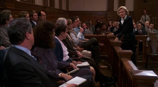 Glenn Close als Anwältin vor der Jury, Copyright: Columbia