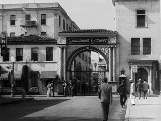 """Die Paramount-Studios, in denen """"Sunset Boulevard"""" gedreht wurde, mit dem """"Bronson Gate""""."""