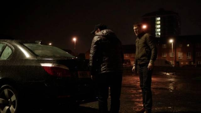 Colin und Vince am Kofferraum des 3er BMW, Copyright: Acorn
