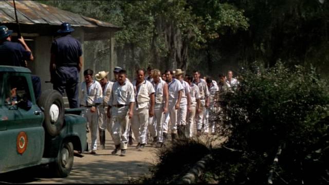 eine Häftlingskolonne auf dem Weg zur Arbeit, Copyright: Paramount