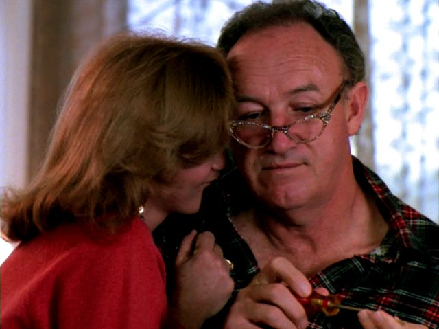 Audrey (Ann-Margret) und Harry (Gene Hackman) albern herum