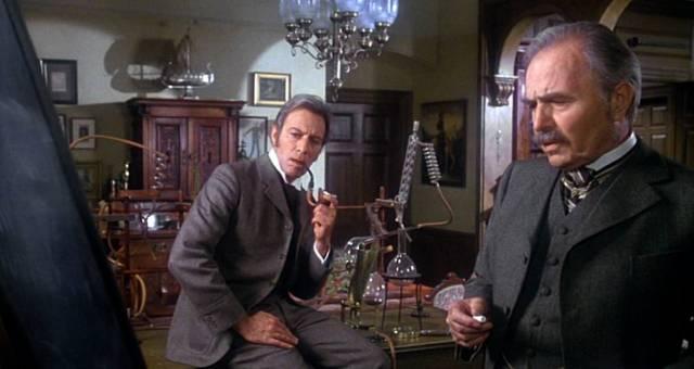 Christopher Plummer und James Mason als Sherlock Holmes und John Watson in Holmes' Appartement, Copyright: Saucy Jack