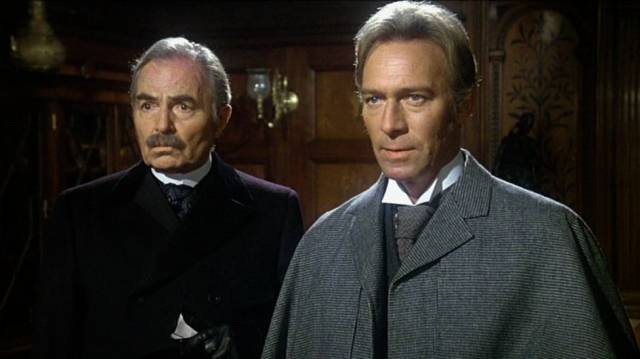 James Mason und Christopher Plummer als John Watson und Sherlock Holmes