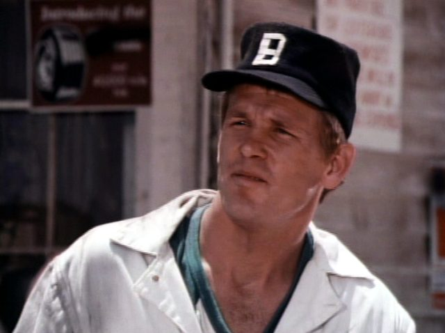 Nick Nolte als Mechaniker Buzz Stafford