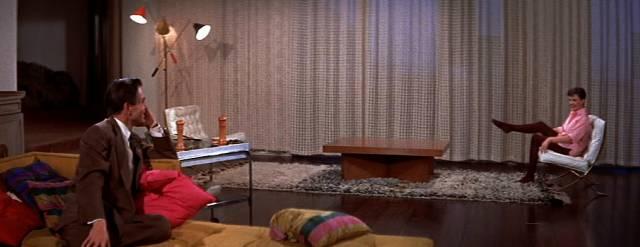 James Mason und Judy Garland in einer Luxusvilla