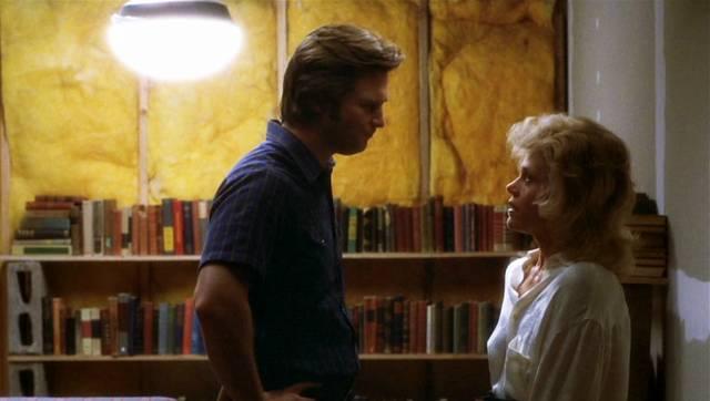 Jeff Bridges und Jane Fonda als Turner Kendall und Alex Sternbergen in Kendalls improvisierter Wohnung, Copyright: Warner Bros.