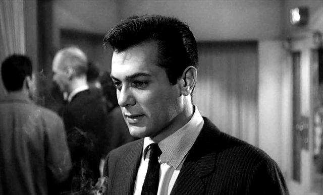 Tony Curtis als Presseagent Sidney Falco