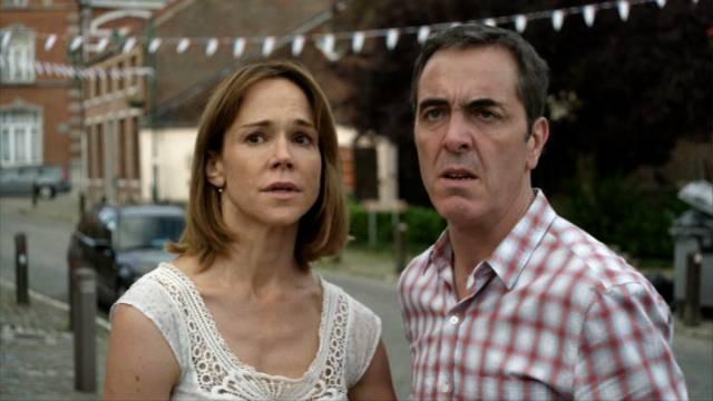 Frances O'Connor und James Nesbitt als das erschütterte Ehepaar Hughes, Copyright: Company Television Pictures & New Pictures