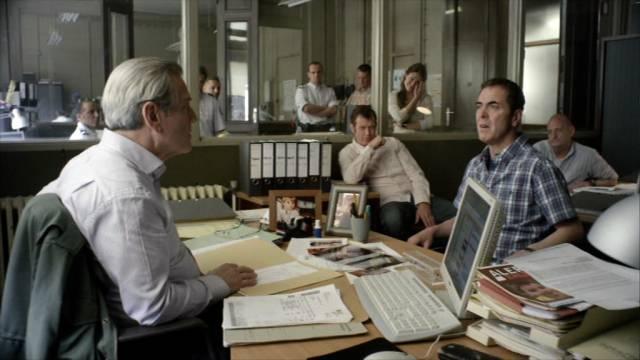 Tchéky Karyo und James Nesbitt im Befragungsraum, Copyright: Company Television Pictures & New Pictures