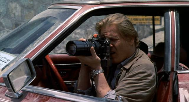 Nick Nolte als Fotoreporter im Kriegsgebiet