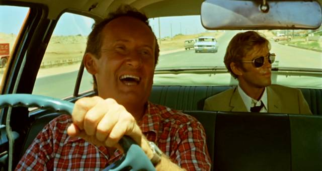 Gary Bond als John Grant unterwegs im Taxi, Copyright: Wake in Fright Trust