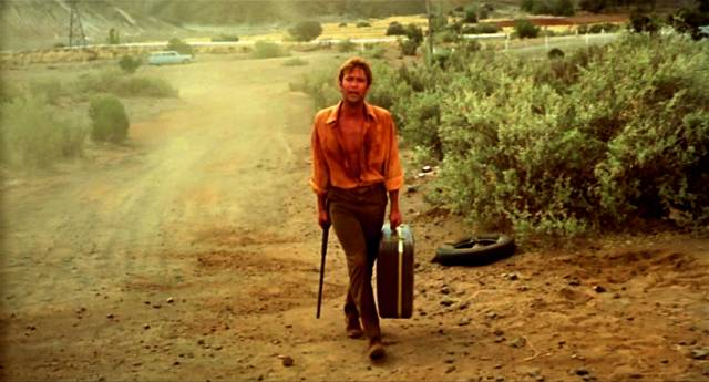 Gary Bond als mit Gewehr herumirrender John Grant, Copyright: Wake in Fright Trust