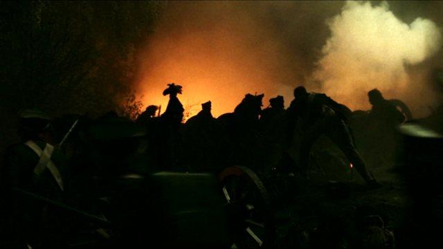 Soldaten im düsteren Schlachtgetümmel, Copyright: BBC Worldwide