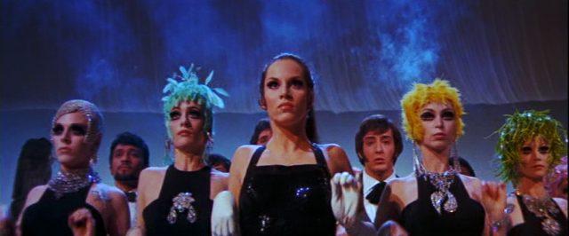 eine Tanz-Performance, Copyright: Universal