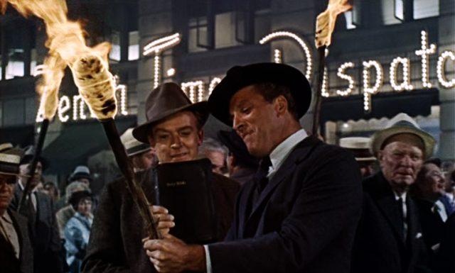 ein mit Fackeln bewehrter Mob in der Stadt, Copyright: Elmer Gantry Productions, Metro Goldwyn Mayer