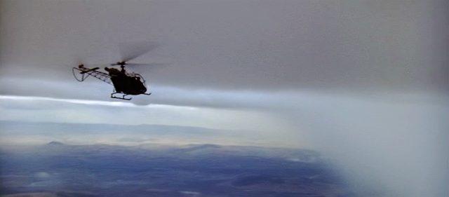 Helikopter in großer Höhe