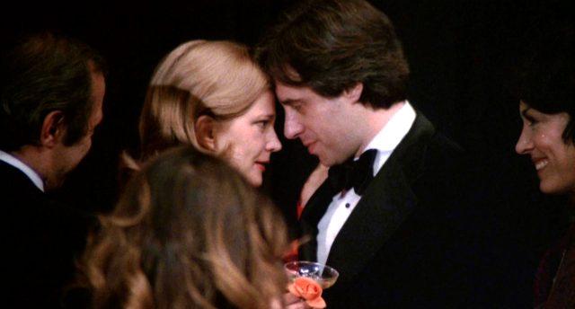 Myrtle Gordon (Gena Rowlands) und Peter Bogdanovich (als er selbst) tête-à-tête