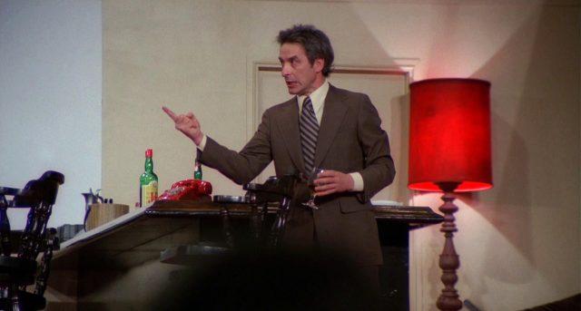 Schauspieler Maurice Aarons (John Cassavetes) in seiner Rolle auf der Bühne