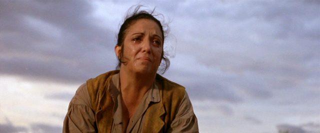 Katy Jurado als Mrs. Baker mit weinendem Gesicht, Copyright: Turner Entertainment, Warner Bros.