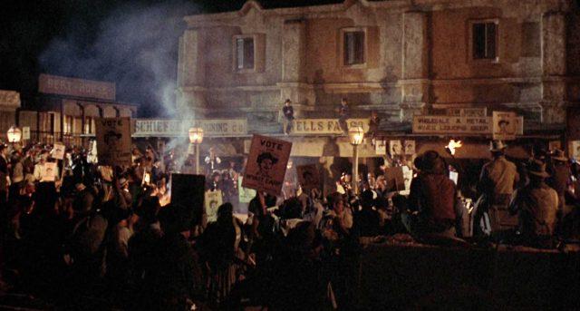 abendliche Bürgerversammlung in Tombstone