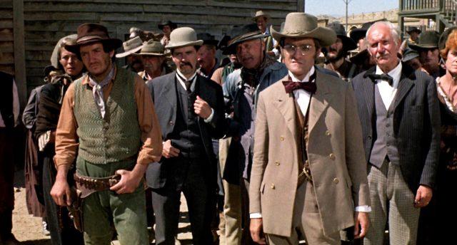 eine Gruppe Bürger von Tombstone in der Stadt