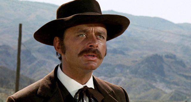 Harris Yulin als Wyatt Earp
