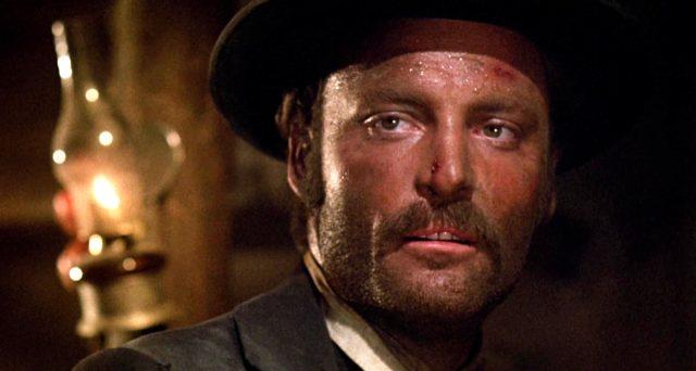 Nahaufnahme von Stacy Keach als Doc Holliday mit verschwitztem Gesicht, Copyright: Frank Perry Films, Black Hill Pictures