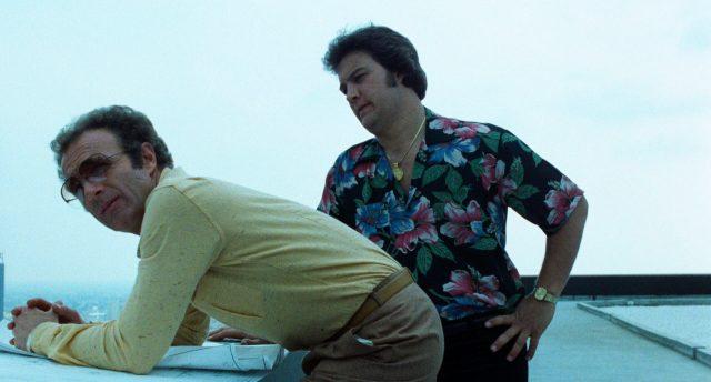 Frank (gespielt von James Caan) und Barry (gespielt von James Belushi) auf dem Dach eines Hochhauses