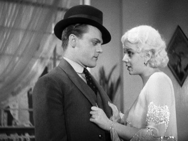 Tom Powers (gespielt von James Cagney) und Gwen Allen (gespielt von Jean Harlow) stehen sich gegenüber