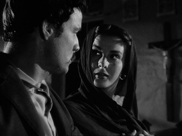 Nahaufnahme von Jean Peters als Josefa im Beisein von Emiliano.