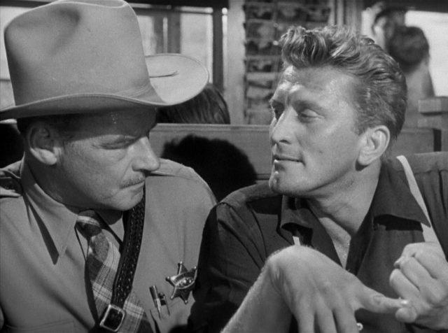 Sheriff Kretzer im Gespräch mit Chuck Tatum.