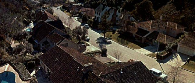 Blick auf einige Häuser im Vorstadtbereich von Los Angeles.