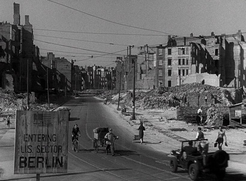 Szene aus 'Eine auswärtige Affäre(1948)', Copyright: Paramount Pictures, EMKA