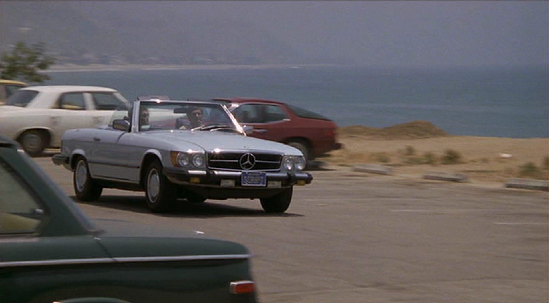 Fonda und Alda unterwegs in einem Merceedes SL Cabriolet.